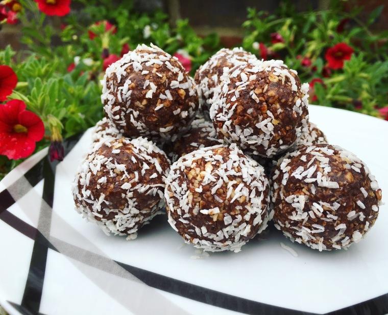 Chocolate protein balls.jpg