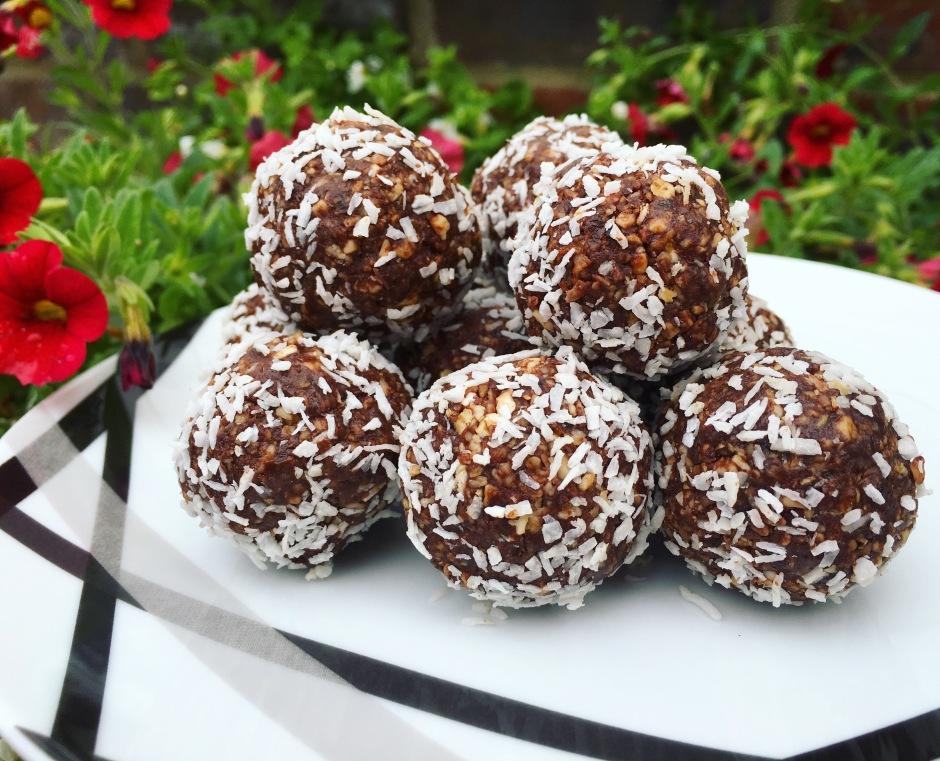 chocolate-protein-balls